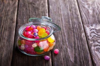Wpływ negatywnych zachowań żywieniowych na rozwój próchnicy u dzieci i młodzieży